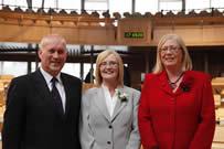 Iain Scott BPA (clì), Tricia Marwick BPA (meadhan), Elaine Nic a' Ghobhainn (deas