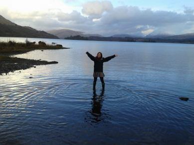 Claire ann an Loch Obha